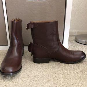 Frye Melissa Button ZIP Short Boots